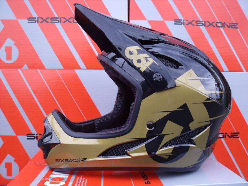 661 Comp II helma Black/Gold - (sixsixone)